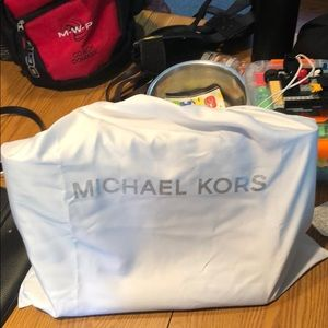 Brand new Micheal Kors Purse.